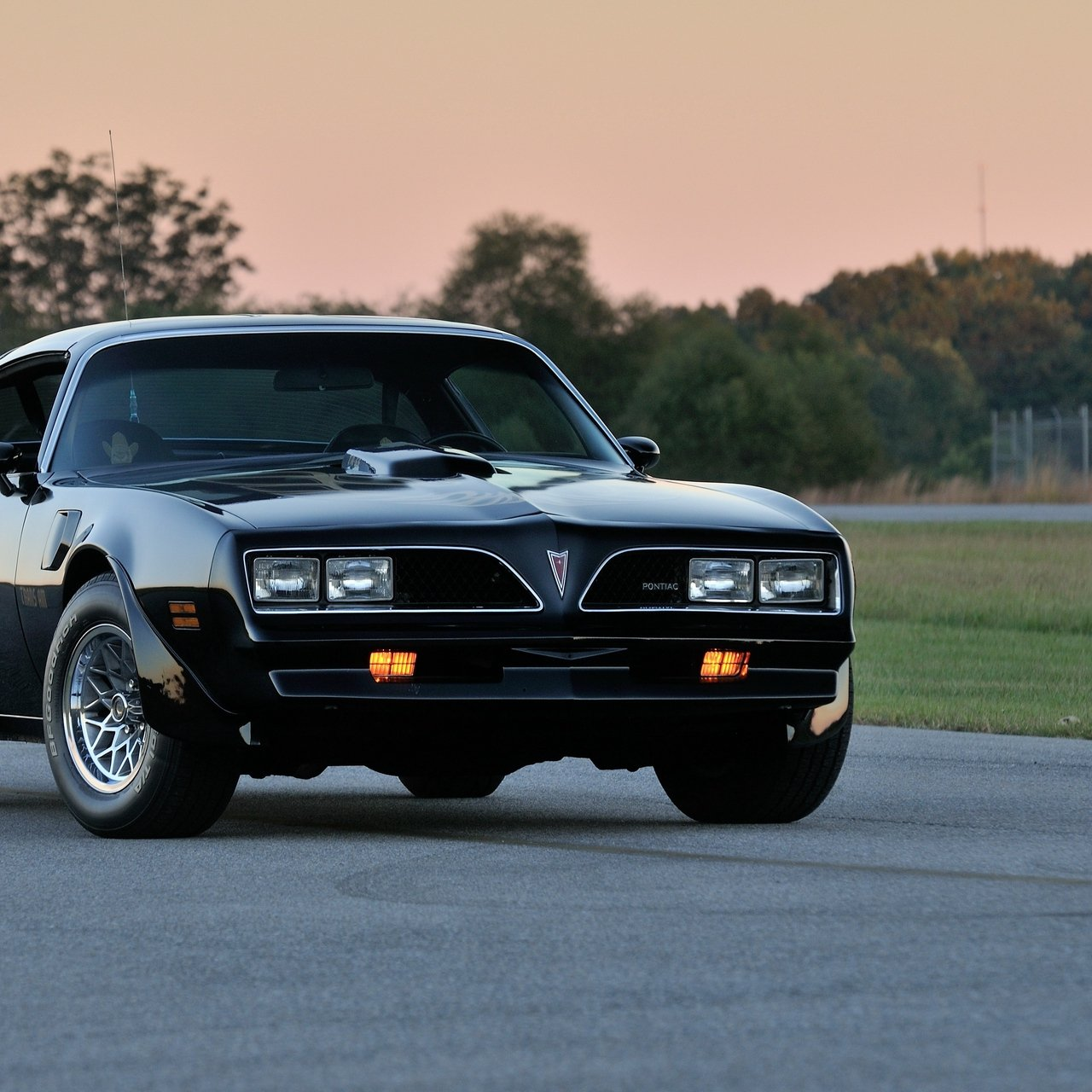 Download wallpaper 1280x1280 pontiac firebird trans am ws6 ipad 1280x1280