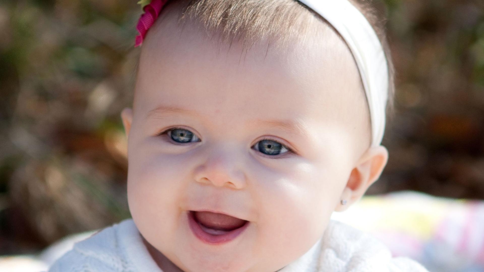 49 Cute Baby Girl Wallpaper On Wallpapersafari