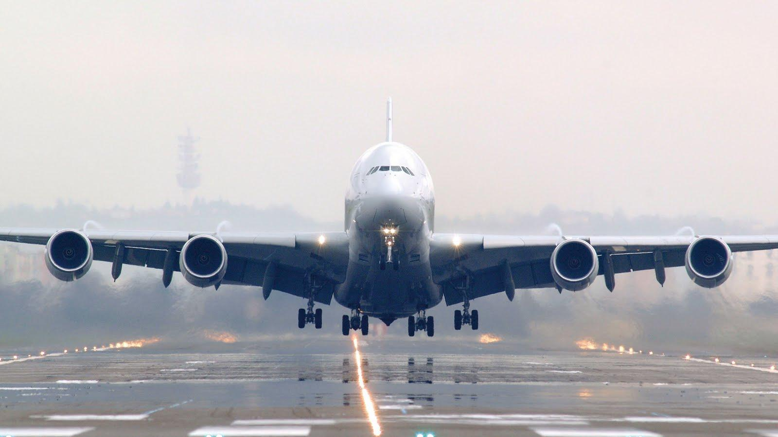 Airbus A380 Wallpapers 1600x899