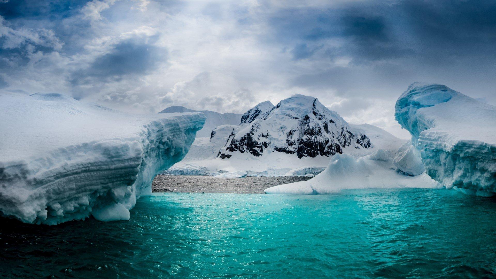 Half Moon Island in Antarctica HD Wallpaper Background Image 1920x1080