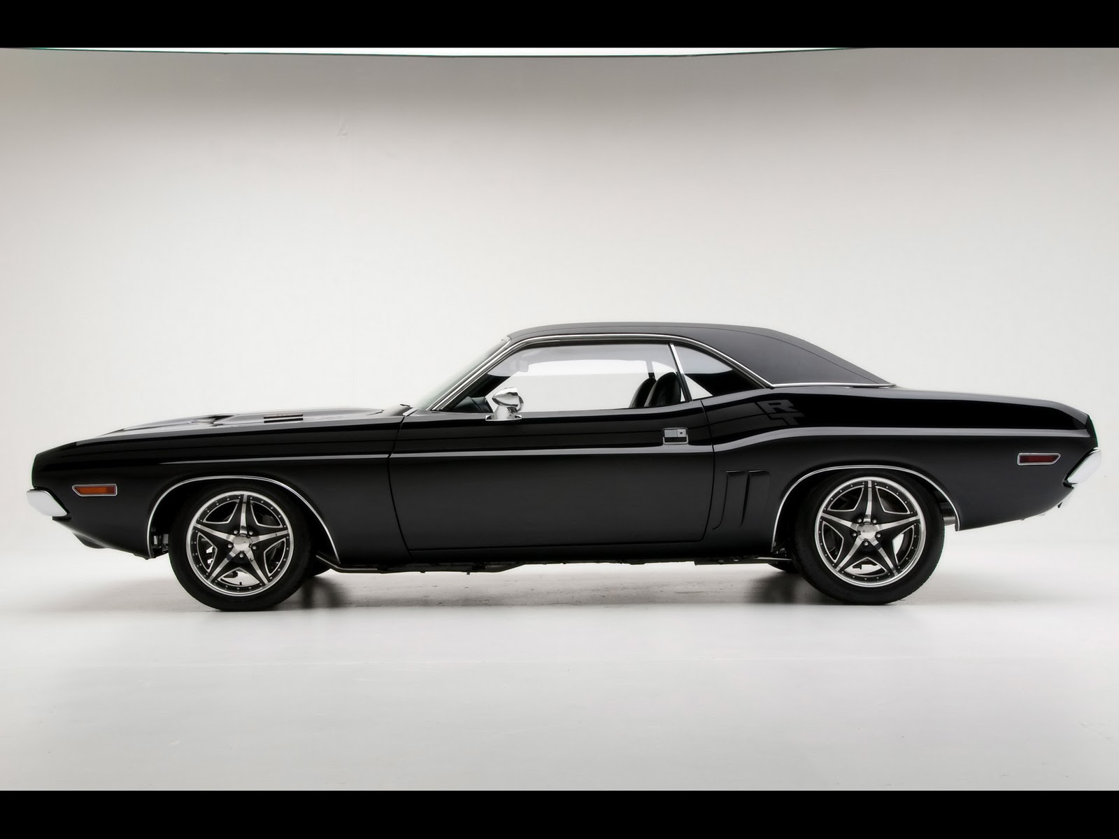 Dodge Challenger 1971 RT Muscle Cars Review and Wallpapers 1600x1200