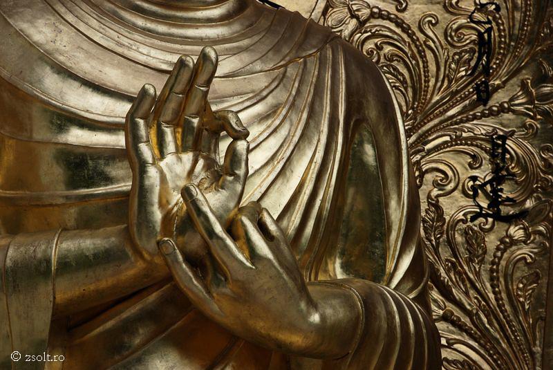 Tibetan Buddhist Wallpapers Golden Buddha Statue   Tibetan 800x535