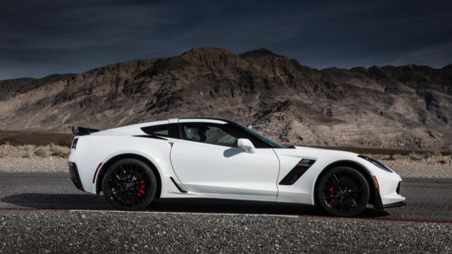 2015 Corvette Z06 A 650 HP All American Middle Finger To Euro 636x358