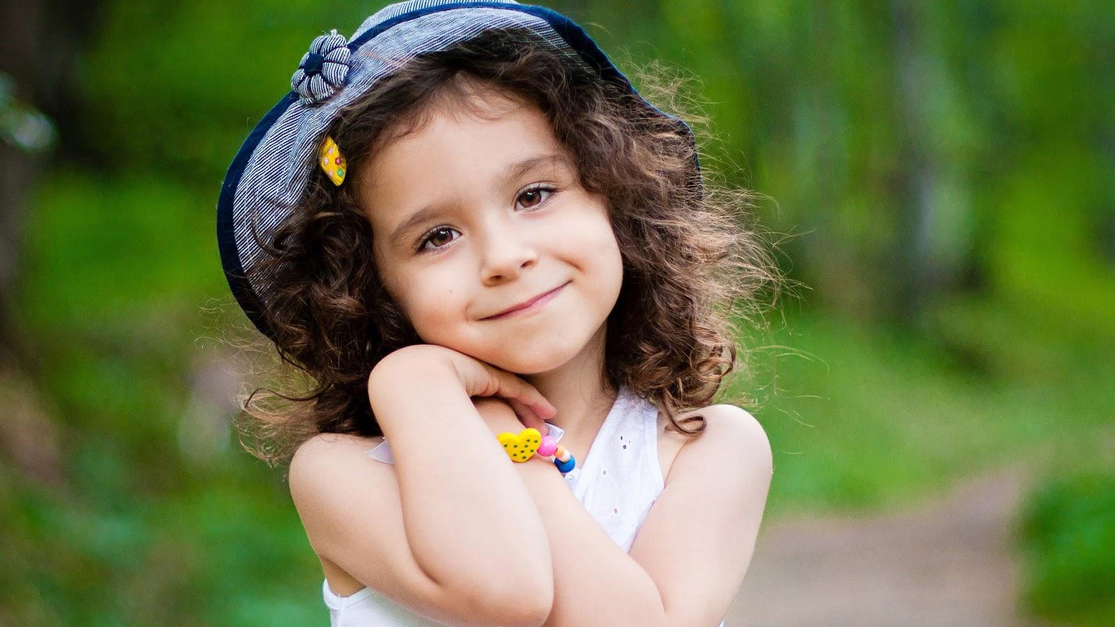 Very cute baby wallpaper wallpapersafari - Cute little girl pic hd ...