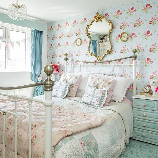 Flowers Wall Wallpapers Design For Your Bedrooms Decorating: Shabby Chic Bedroom Wallpaper