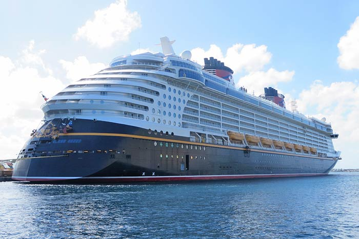 Free Download Disney Dream Disney Cruise Lines Cruise Ship