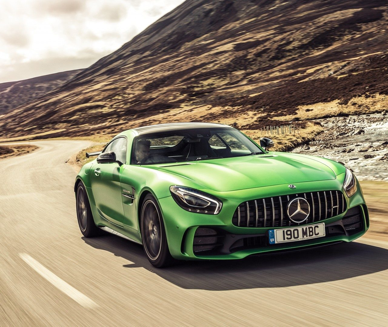 Free Download Mercedes Amg Gt R Hd Wallpaper