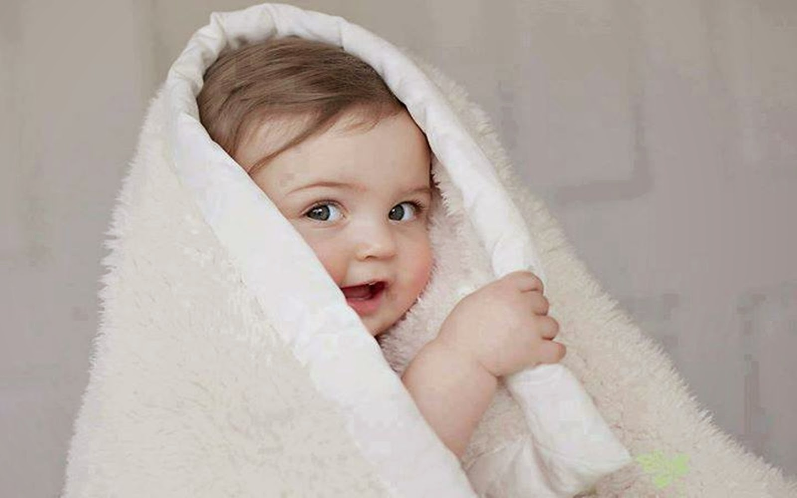 World Cutest Baby wallpapers 2014 Charming collection of 1600x1000