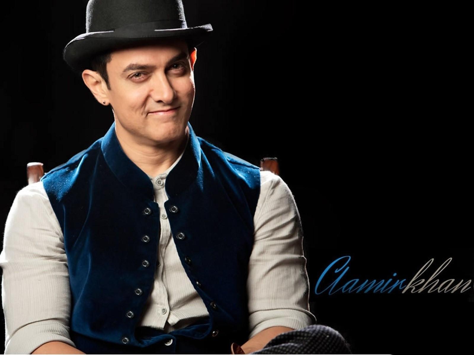 Aamir Khan Wallpapers HD Backgrounds Images Pics Photos 1600x1200