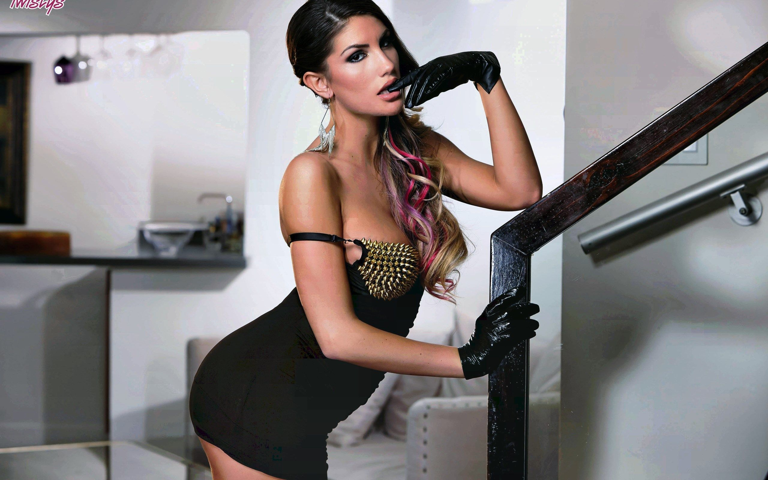 ames August Ames Known people   famous people news and 2560x1600