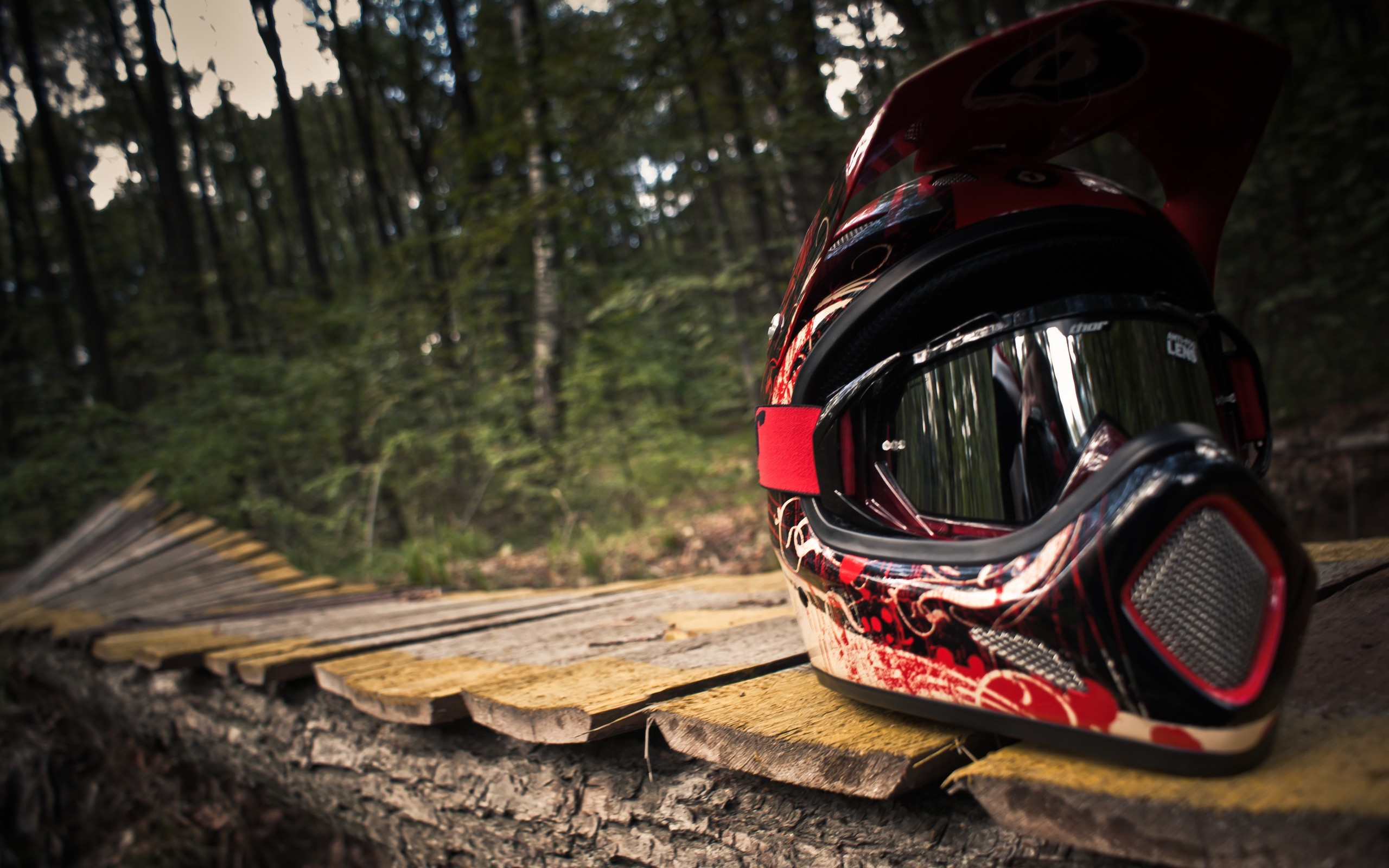 wallpaper casco motocross 2560x1600