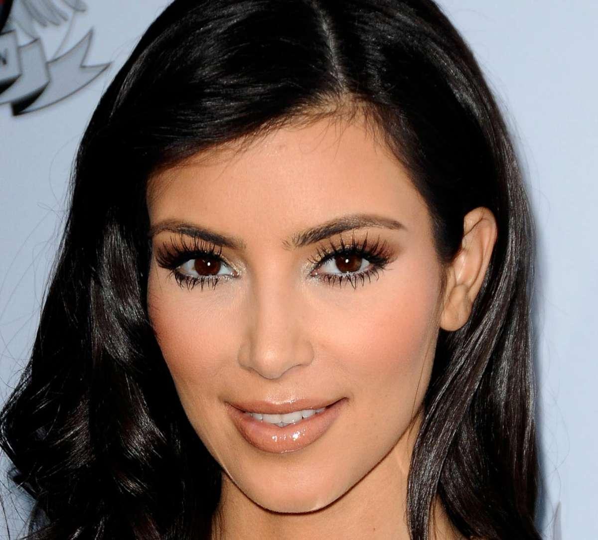 Kim Kardashian HD Wallpaper 2013 Picture Download Kim Kardashian 1200x1084