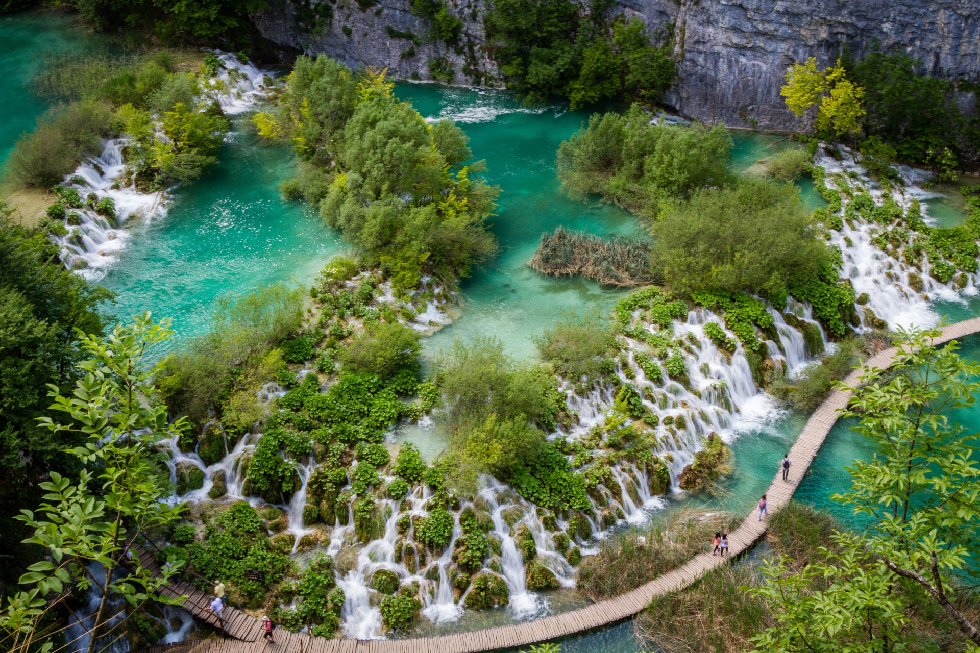 Plitvice Lakes National Park Croatia Background Wallpaper 27352 1920x1280