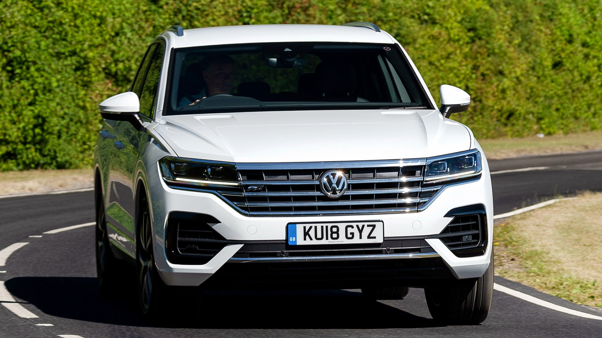 2018 Volkswagen Touareg R Line UK   Wallpapers and HD Images 1920x1080