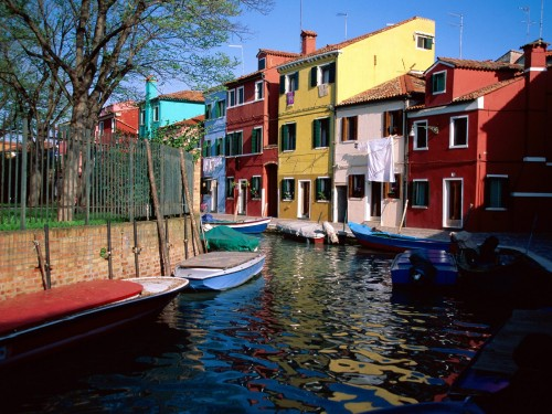 italy screensaver screensavers download colorful canal burano italy 500x375