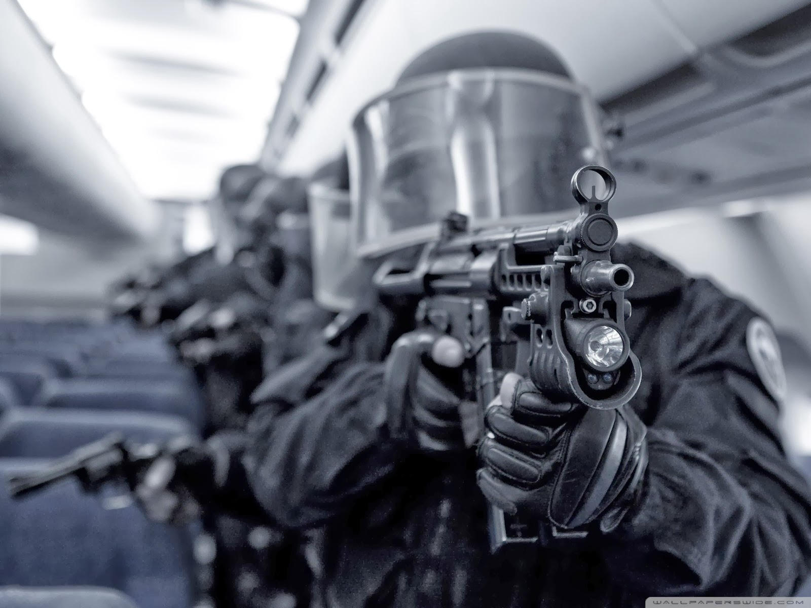 SWAT team 1600x1200