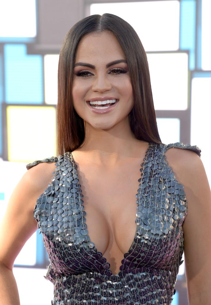 Natti Natasha Photos Photos   2016 Latin American Music Awards 711x1024