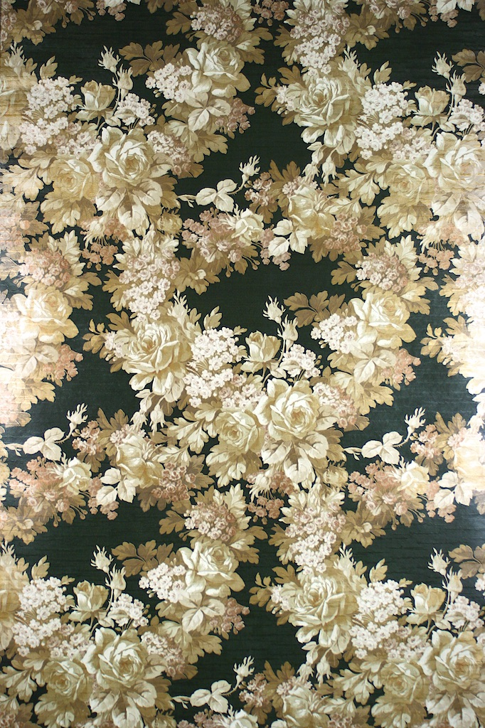 Black and Gold Floral Wallpaper 682x1024