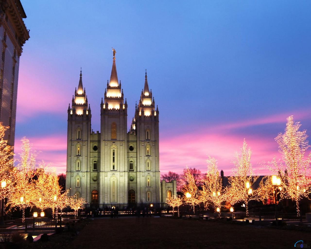 download Download Wallpaper Mormon Temple at Christmas Salt 1280x1024