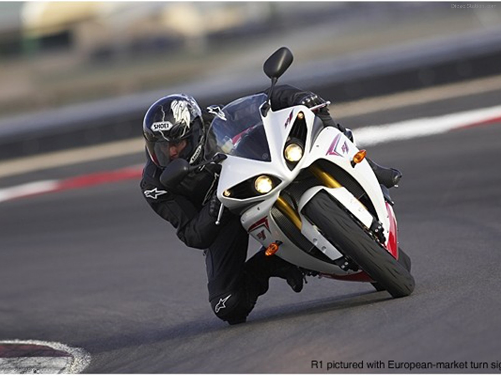 2009 Yamaha R1 Wallpaper 7252 Hd Wallpapers in Bikes   Imagescicom 1600x1200