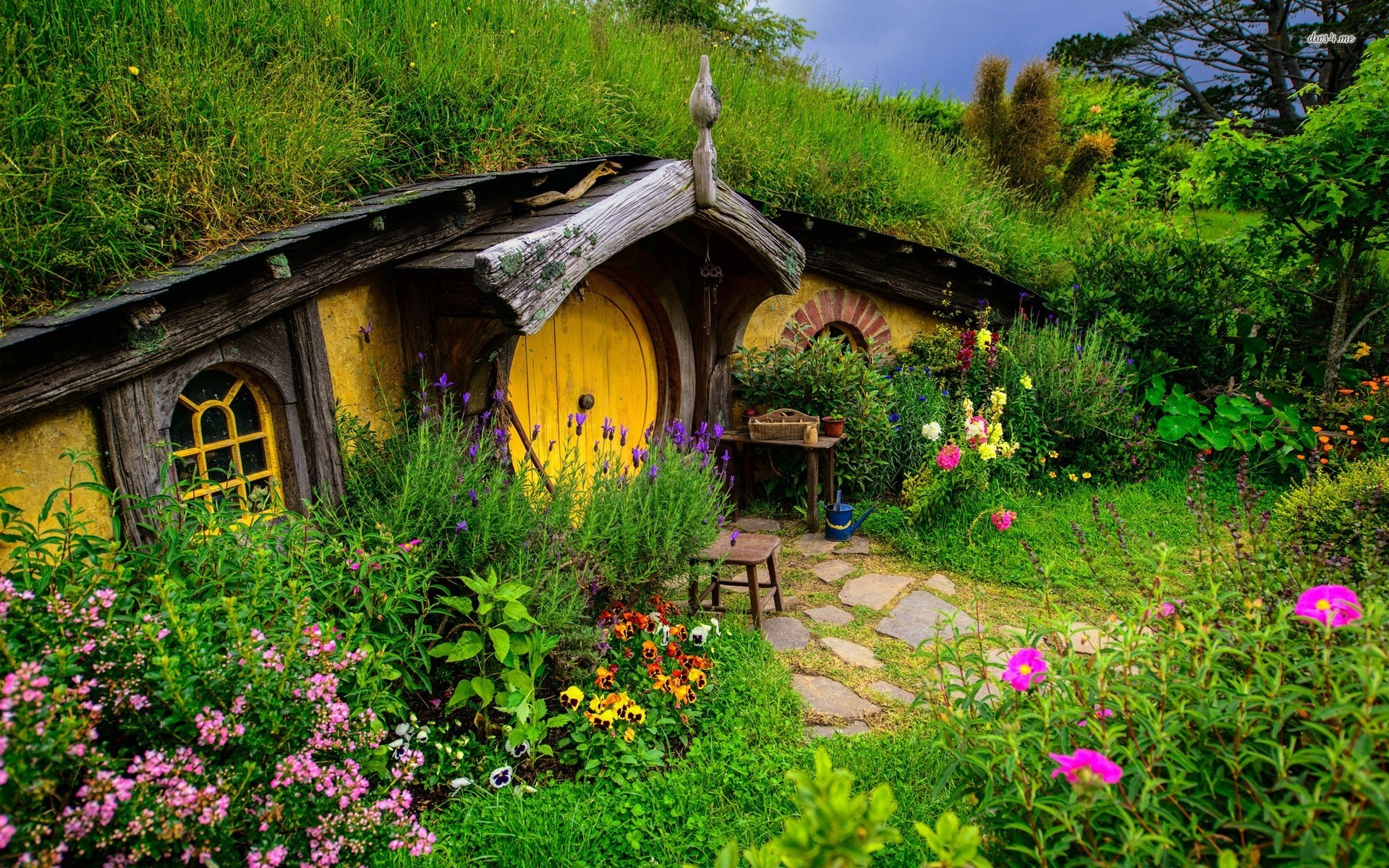 Hobbit house wallpaper wallpapersafari for Wallpaper home photos