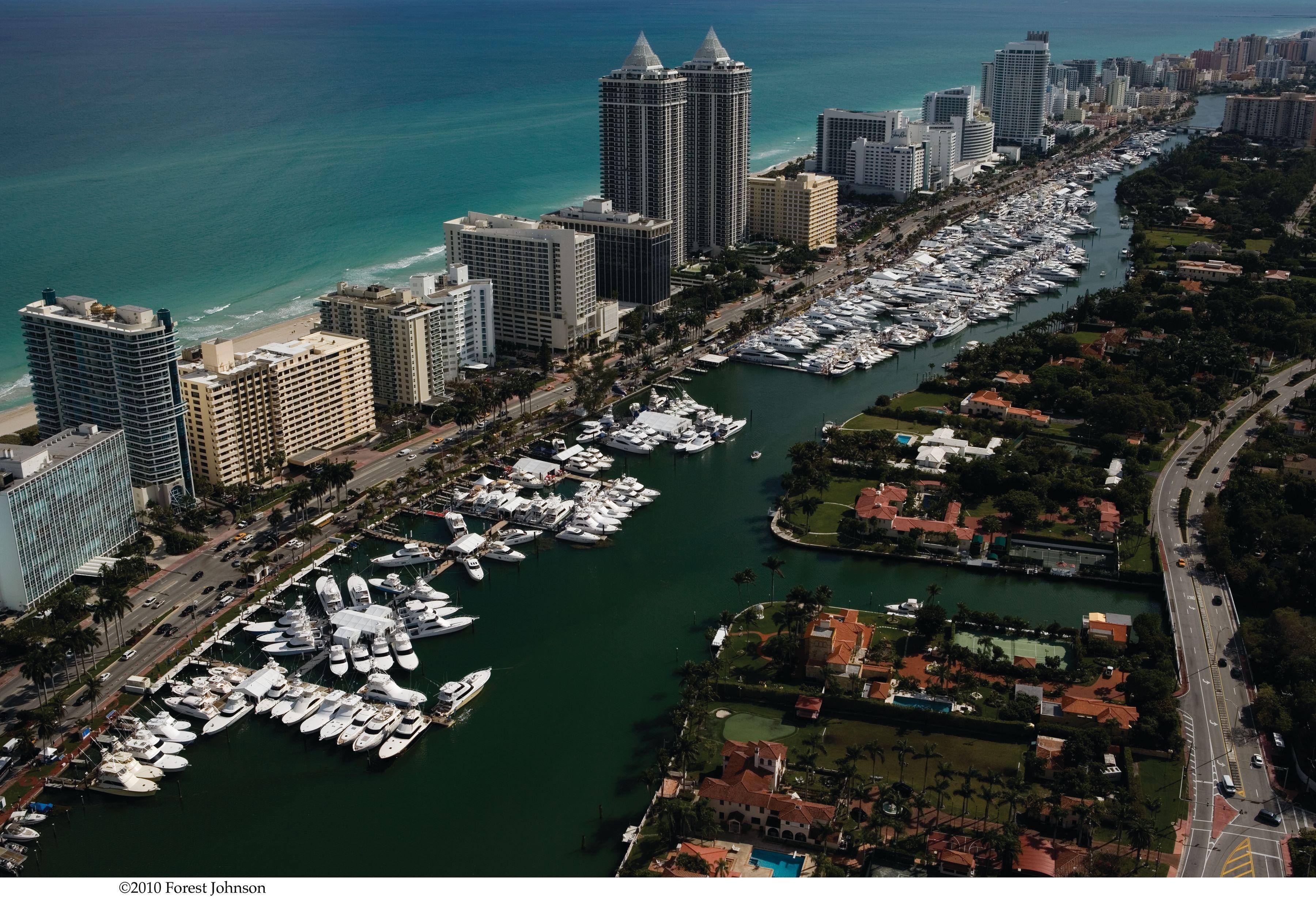 Wallpaper yacht brokerage show in miami beach miami wallpapers 3600x2453