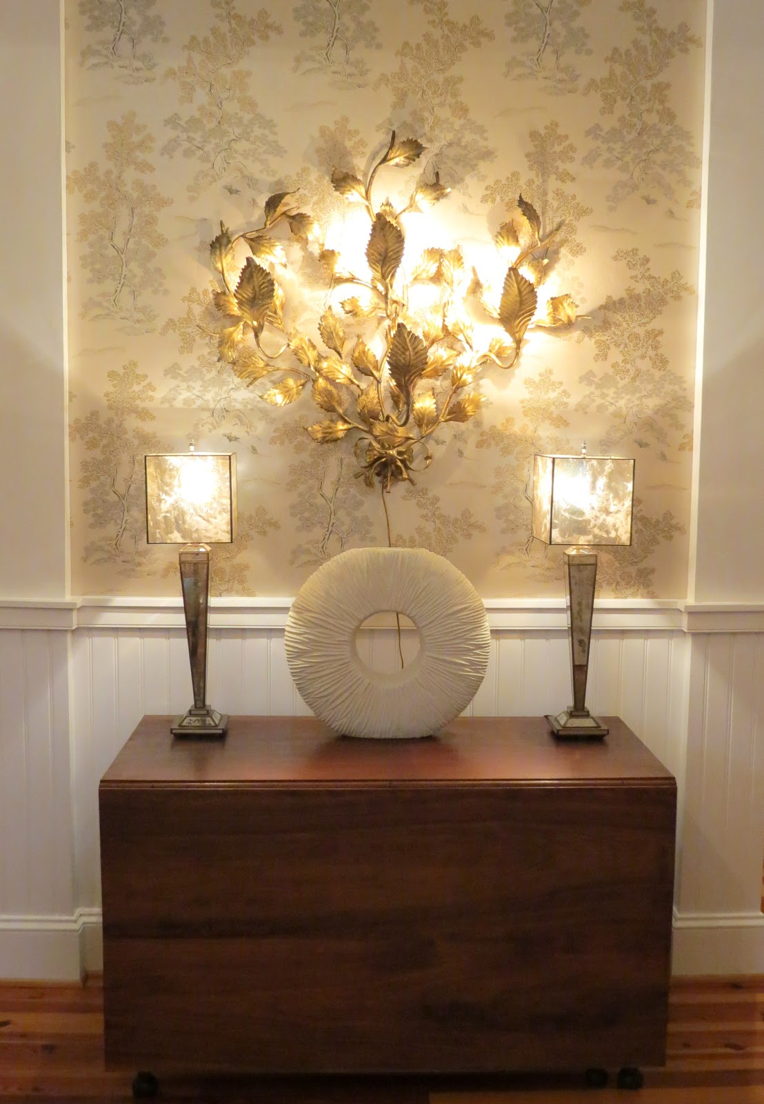 Free Download Wallpaper Accent Wall Foyer Antique And Modern 1108x1600 For Your Desktop Mobile Tablet Explore 50 Gold Accent Wallpaper Accent Wallpaper Ideas Accent Wall Wallpaper Gold Design Wallpaper