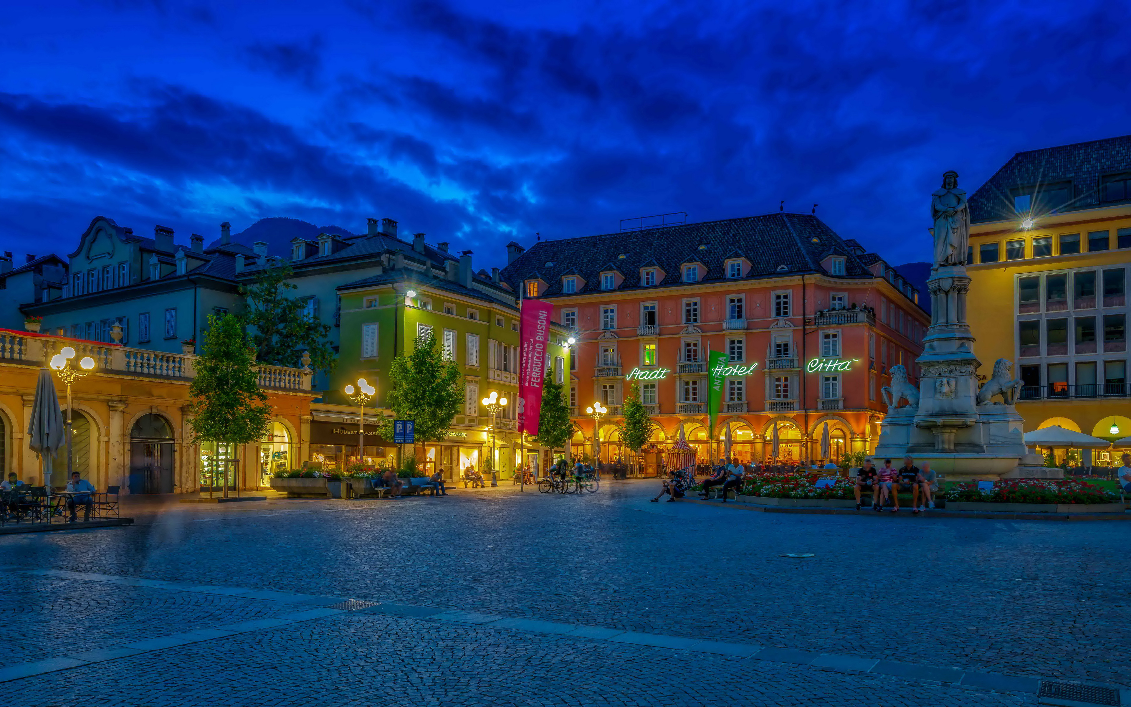 Desktop Wallpapers Italy Monuments Town square Bolzano 3840x2400 3840x2400