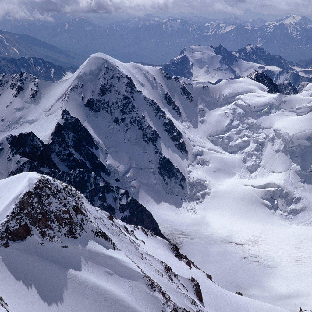 Snow Live Wallpaper: Free Winter Mountain Wallpaper