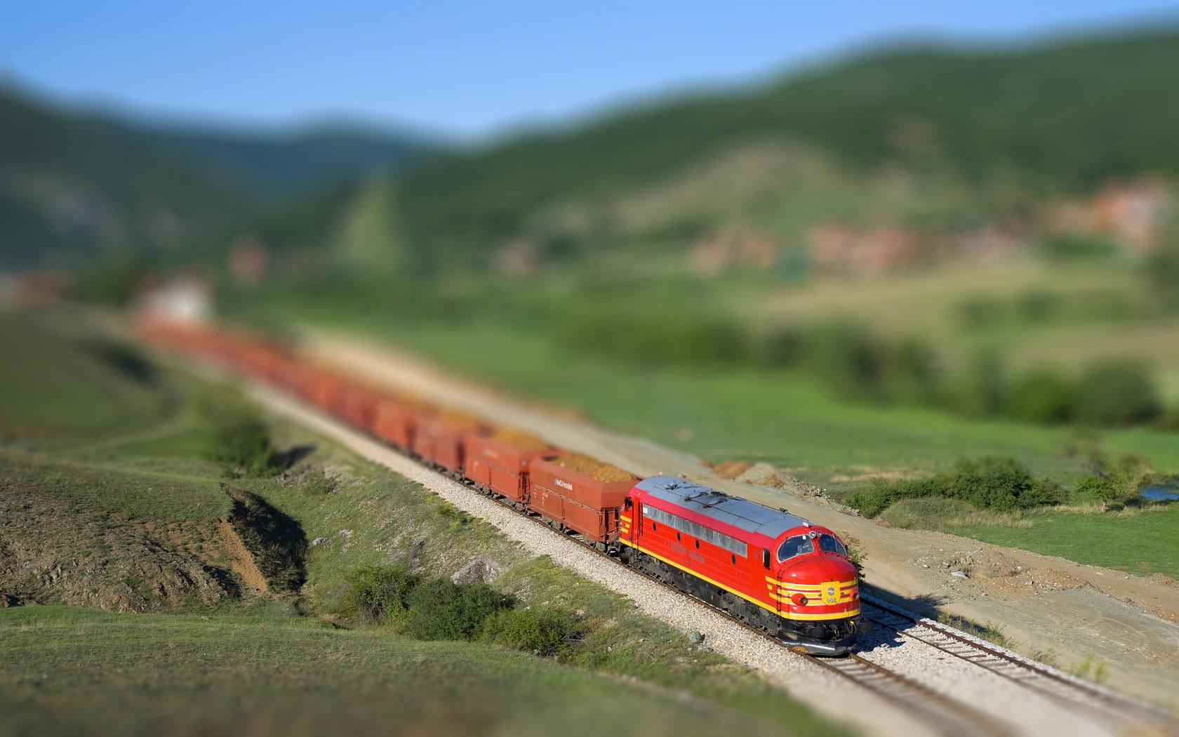 Train general green train 1680x1050
