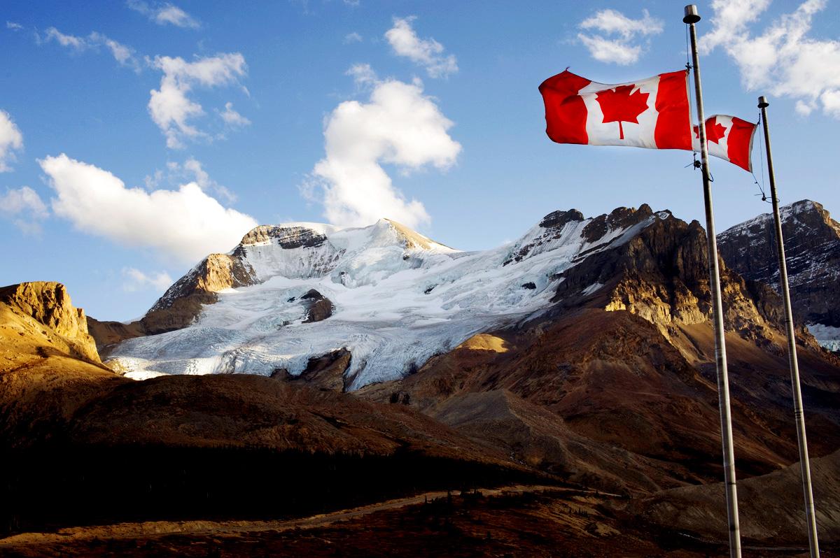 Canadian wallpaper wallpapersafari for Discount wallpaper canada