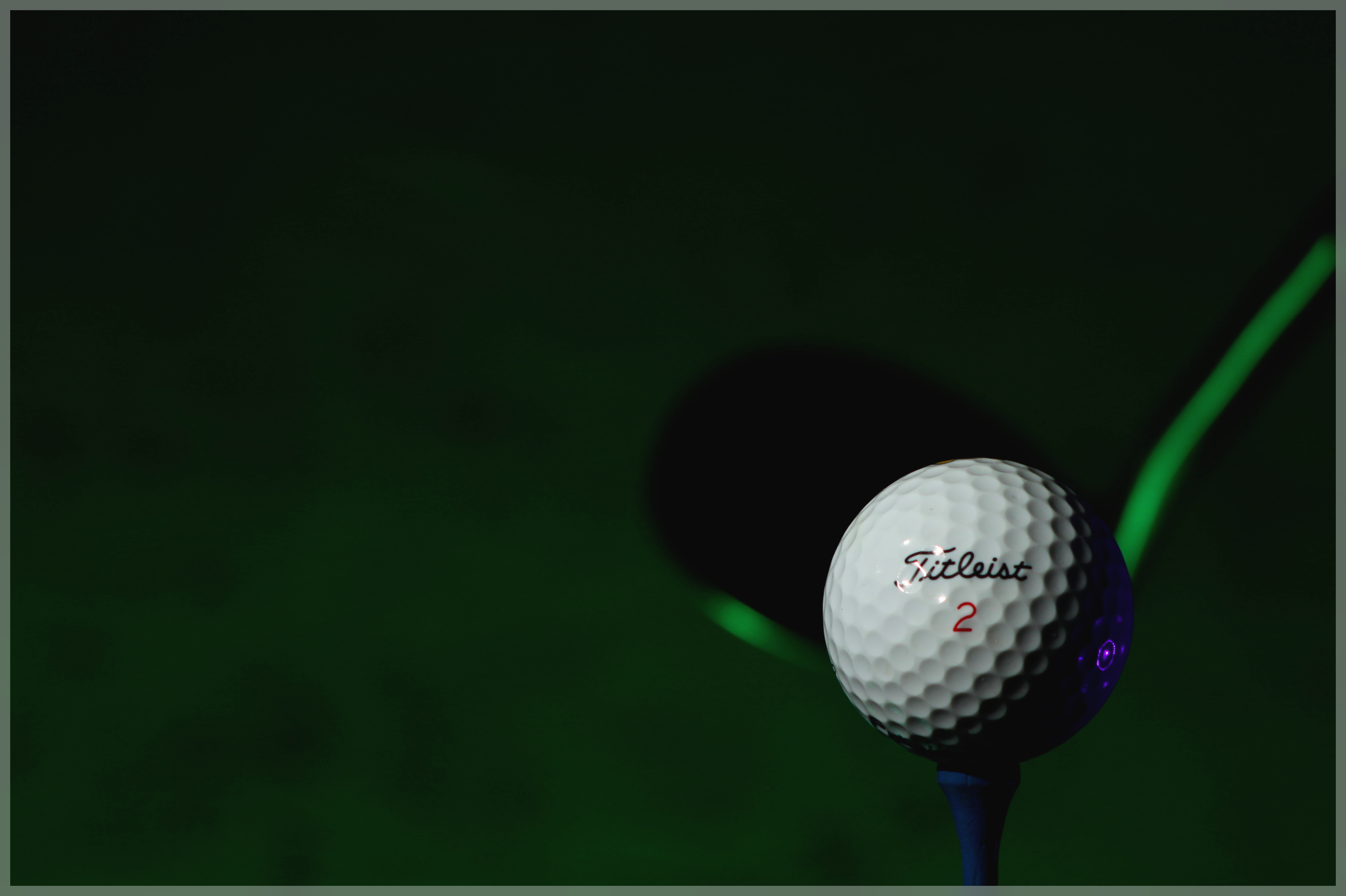 Displaying 15 Images For   Titleist Background 4096x2730