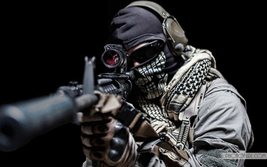 Download Automatic Guns Or Pistol Desktop Wallpapers 1024x640