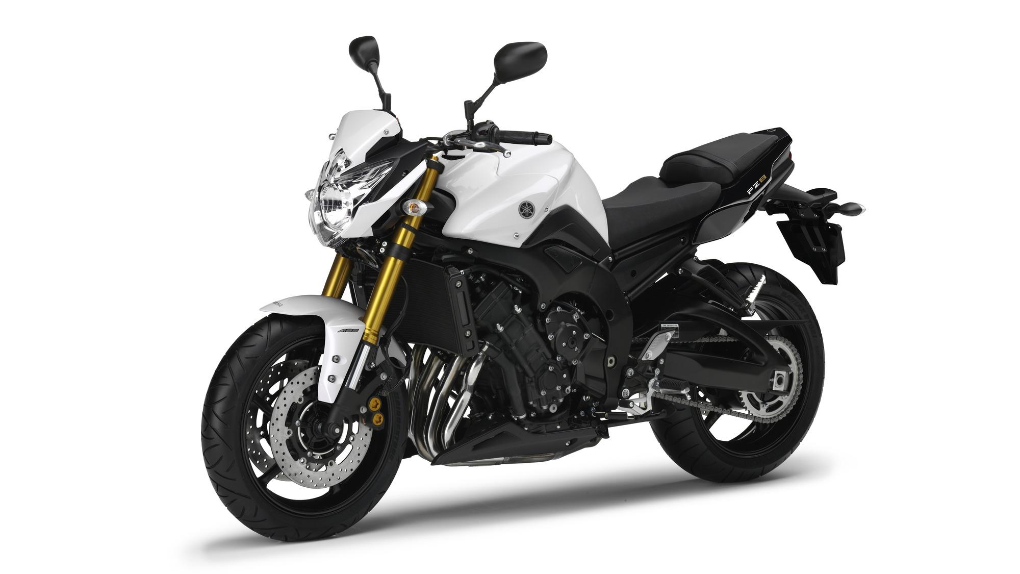 2014 Yamaha FZ8 Front 3 Quarter 2000x1125