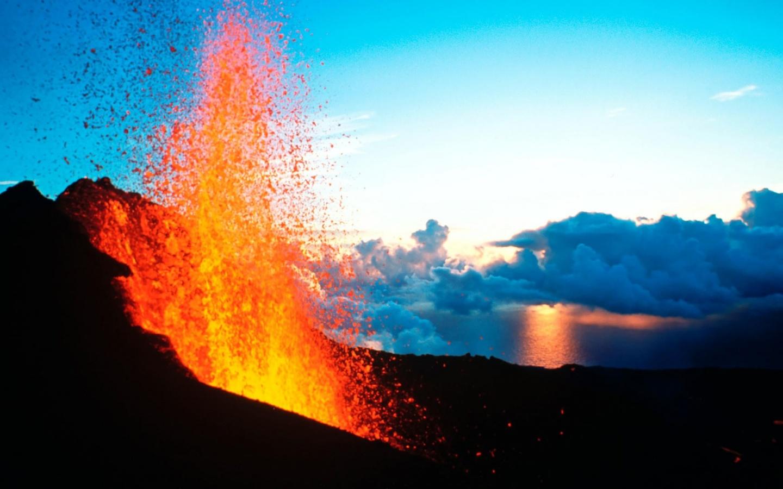 1440x900 Volcano Erruption desktop PC and Mac wallpaper 1440x900