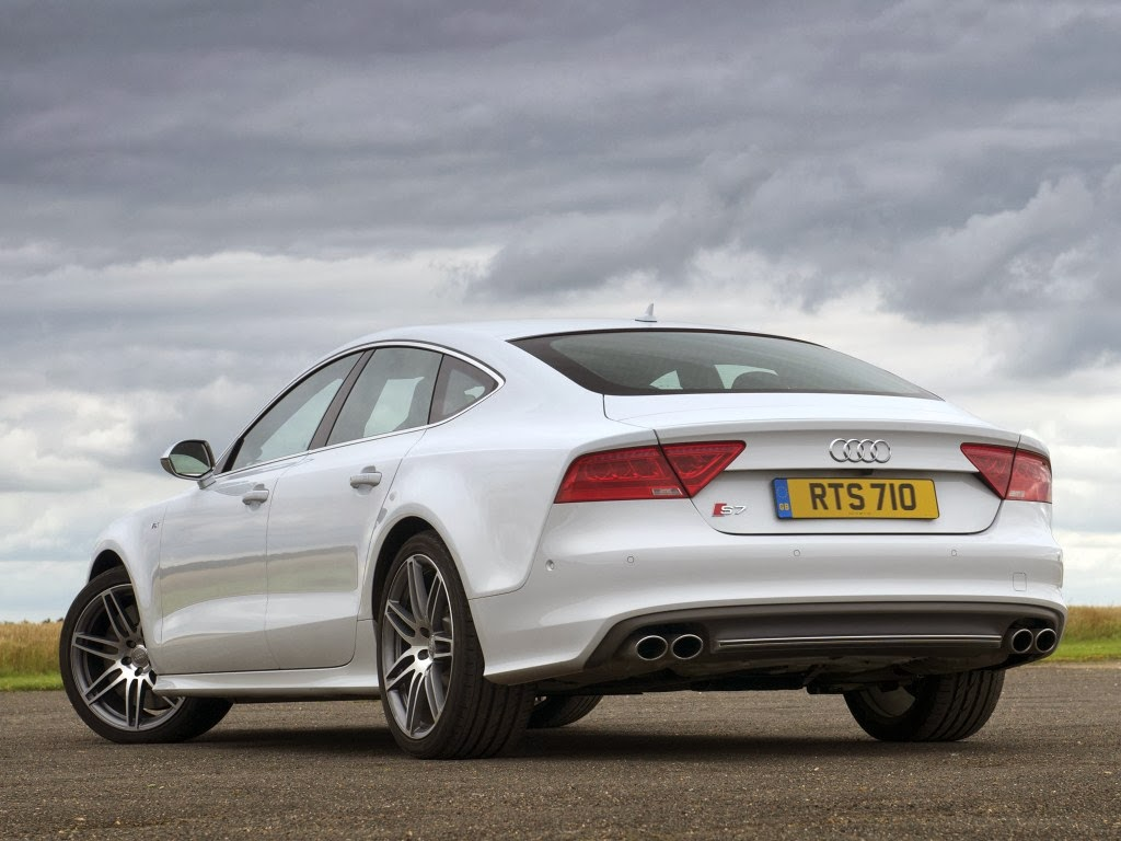 Audi S7 Rear White Color Four Doors and Five passenger seating 1024x768