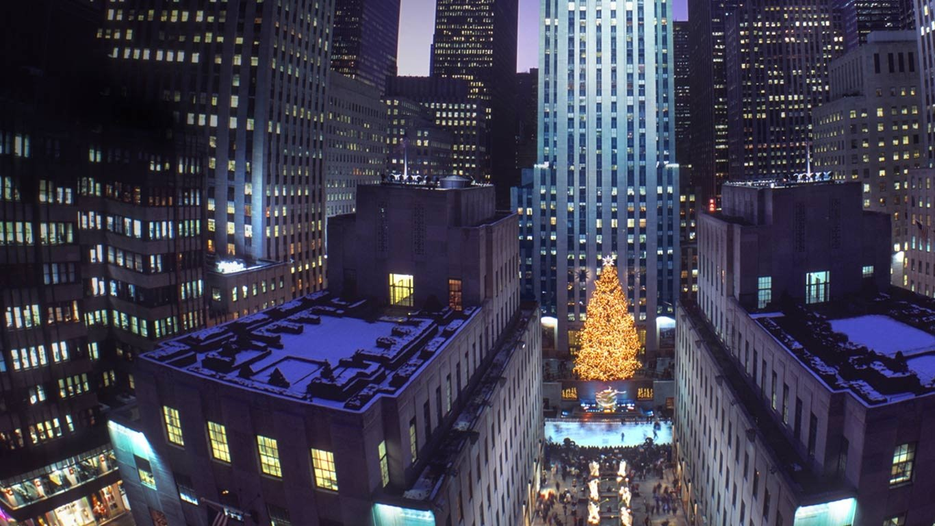 Christmas tree at Rockefeller Center New York City New 1366x768