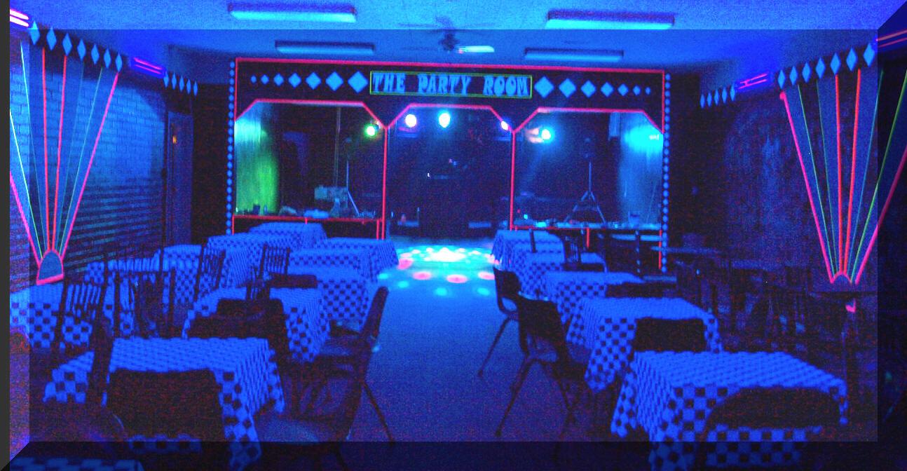 Bedroom glow blacklight party black lights blacklight bedroom - Glow In The Dark Balloon Arch Glows Under Black Light Neon Parties Black Light Decorations Black Light Room
