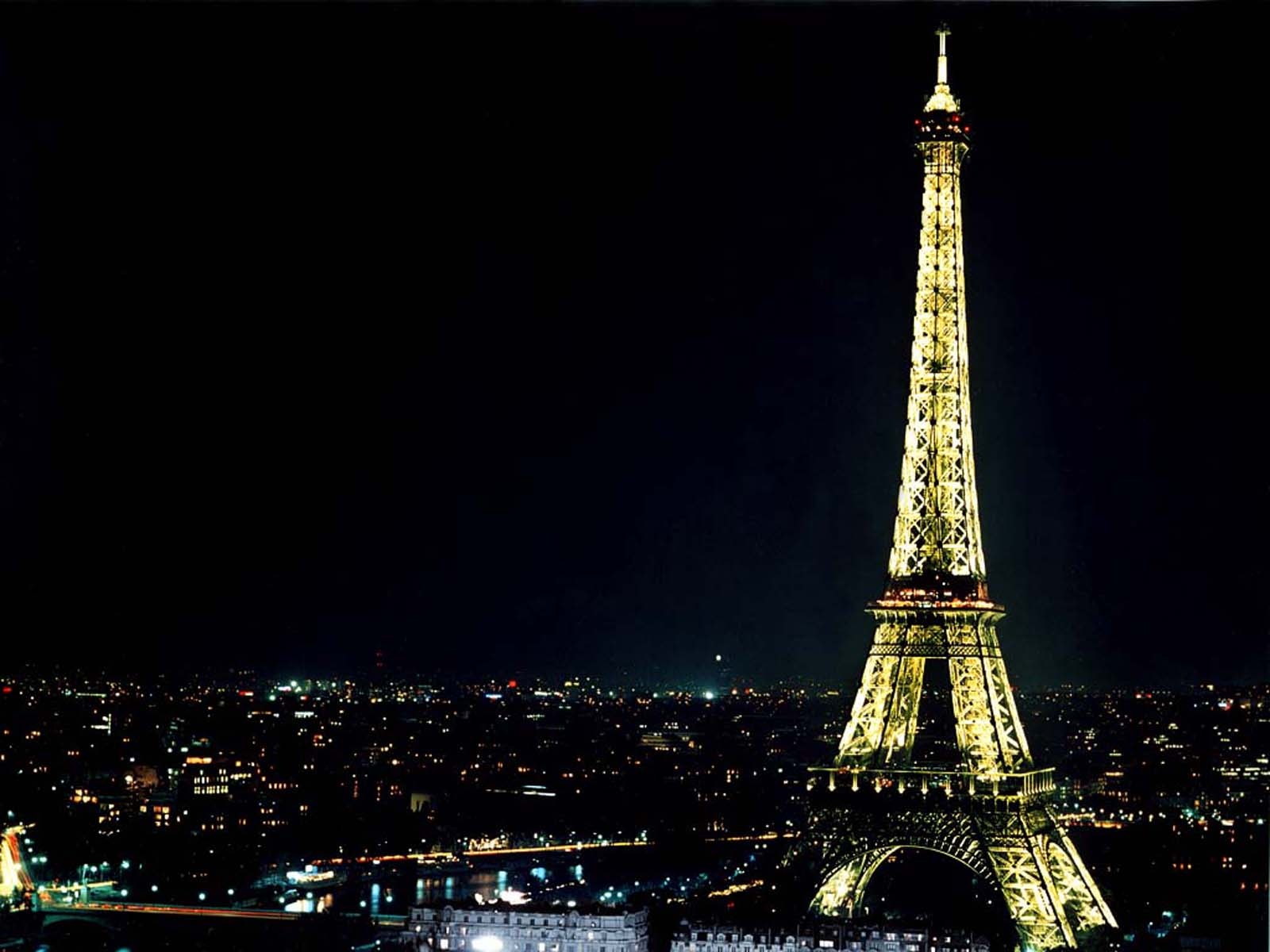 Free Wallpapers Eiffel Tower Wallpapers [
