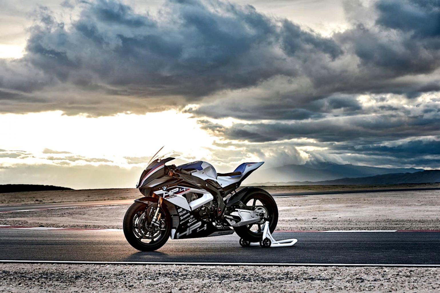 Motorcycle Bmw Hp4 Hd Wallpaper Wallpapers Screen 1539x1026