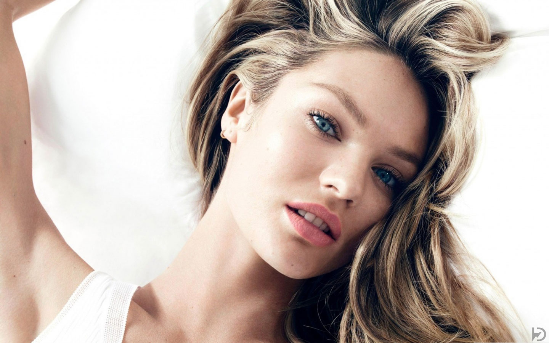 Hollywood actress hot HD wallpapers for desktop 1440x900