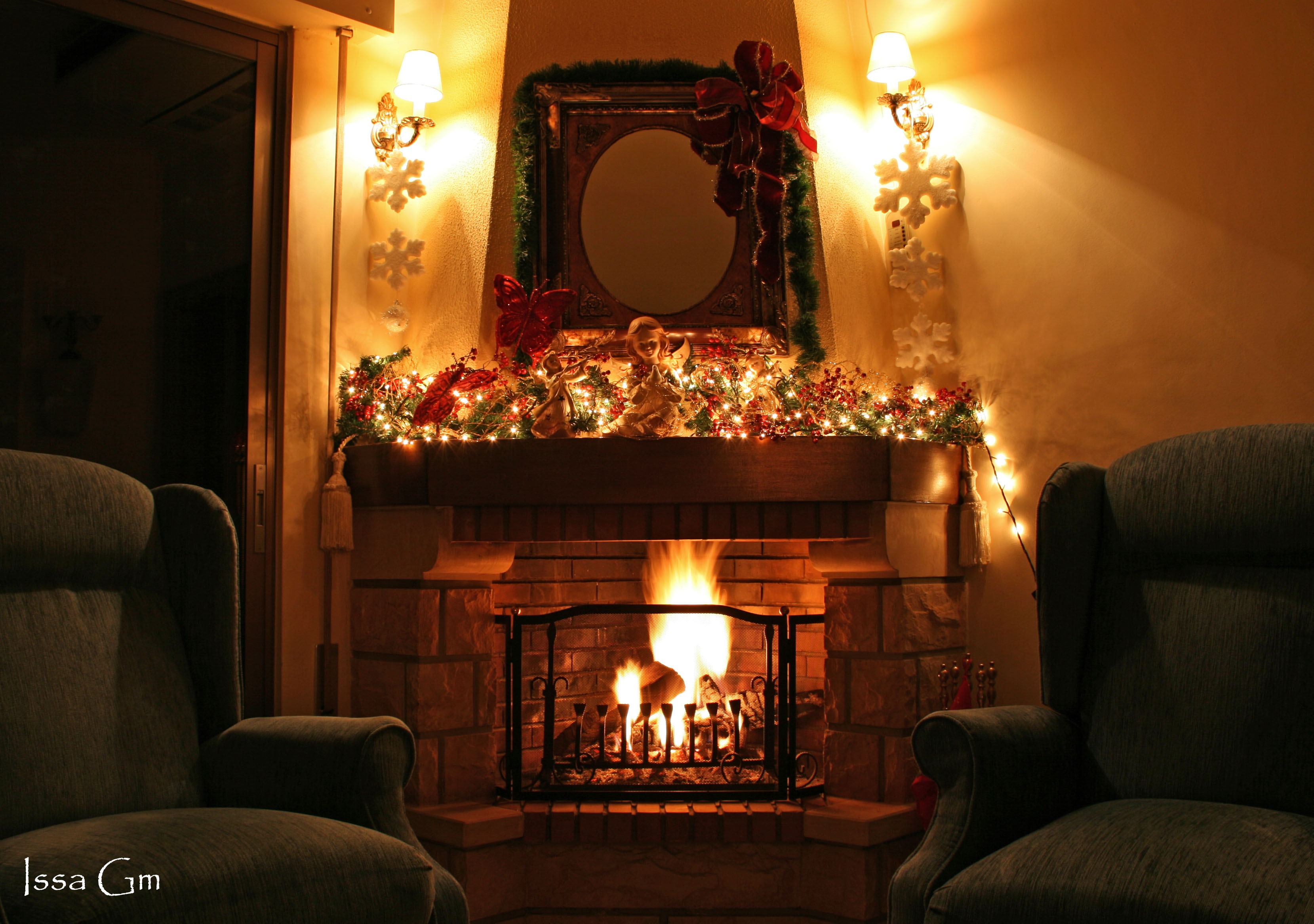 Christmas Fireplace Search Results CLARA LAURETYA 3318x2334