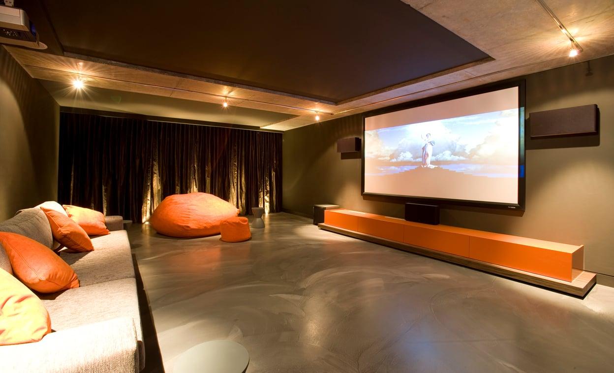 Movie room wallpaper wallpapersafari for Cool room wallpaper