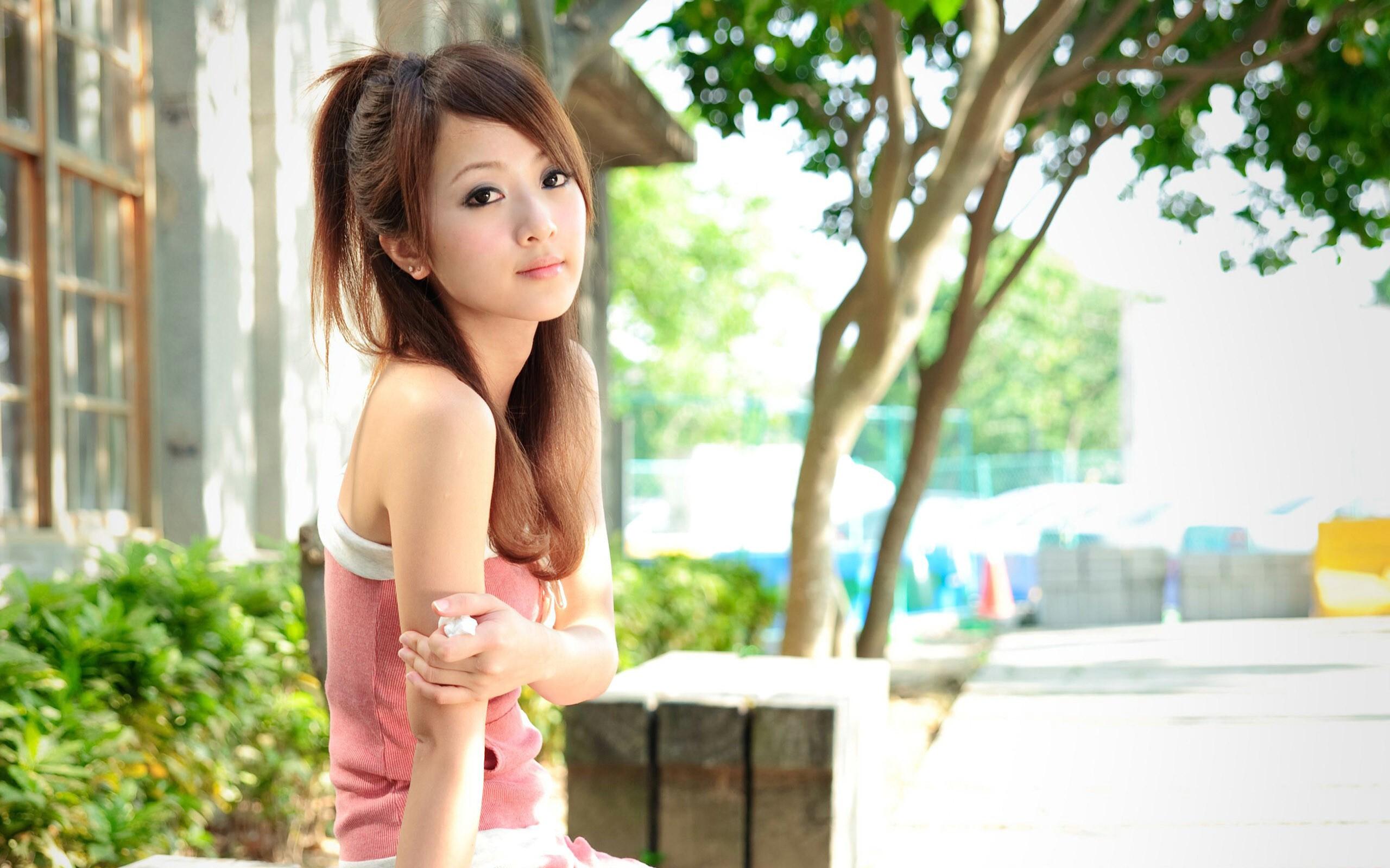 Mikako Zhang Background 36187 2560x1600px 2560x1600