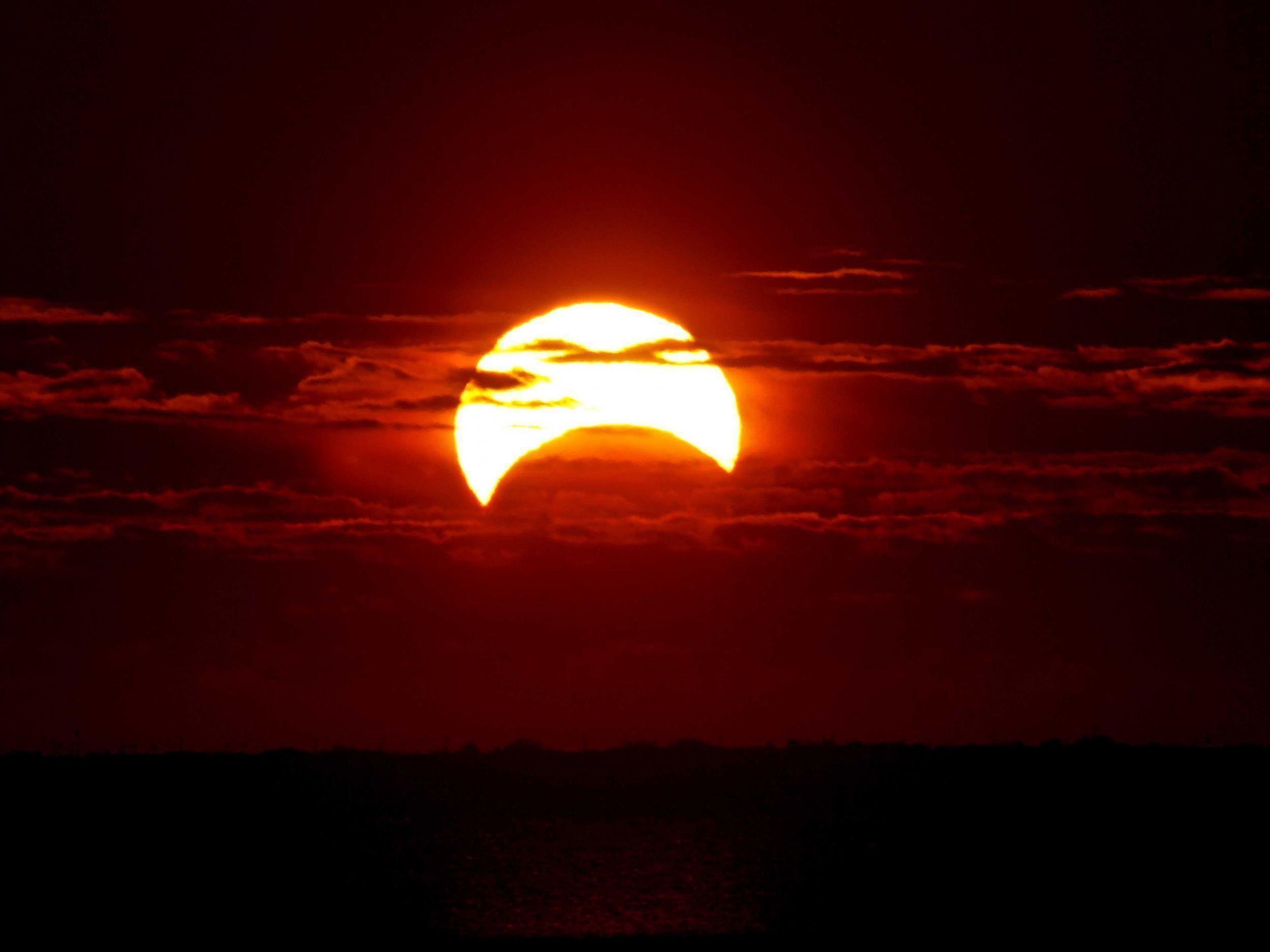 Eclipse Backgrounds download on the digitalimagemakerworldcom 2500x1875