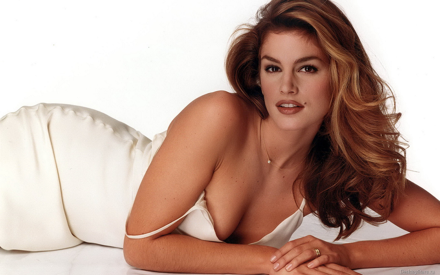 Images Zone Best Cindy Crawford   Wallpaper Colection 1440x900