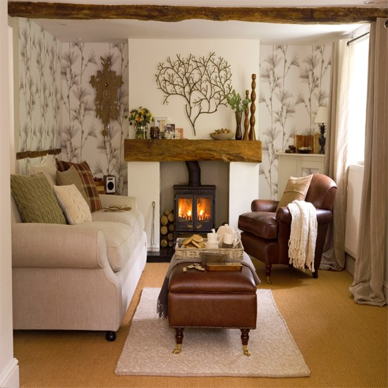 Living room with woodland wallpaper Wallpaper ideas for living rooms 550x550