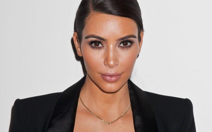 Kim Kardashian Wallpaper 2015 680x425