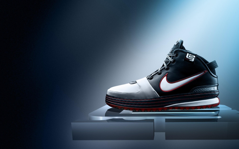 Nike Basketball Sneakers 2880 x 1800 2880x1800