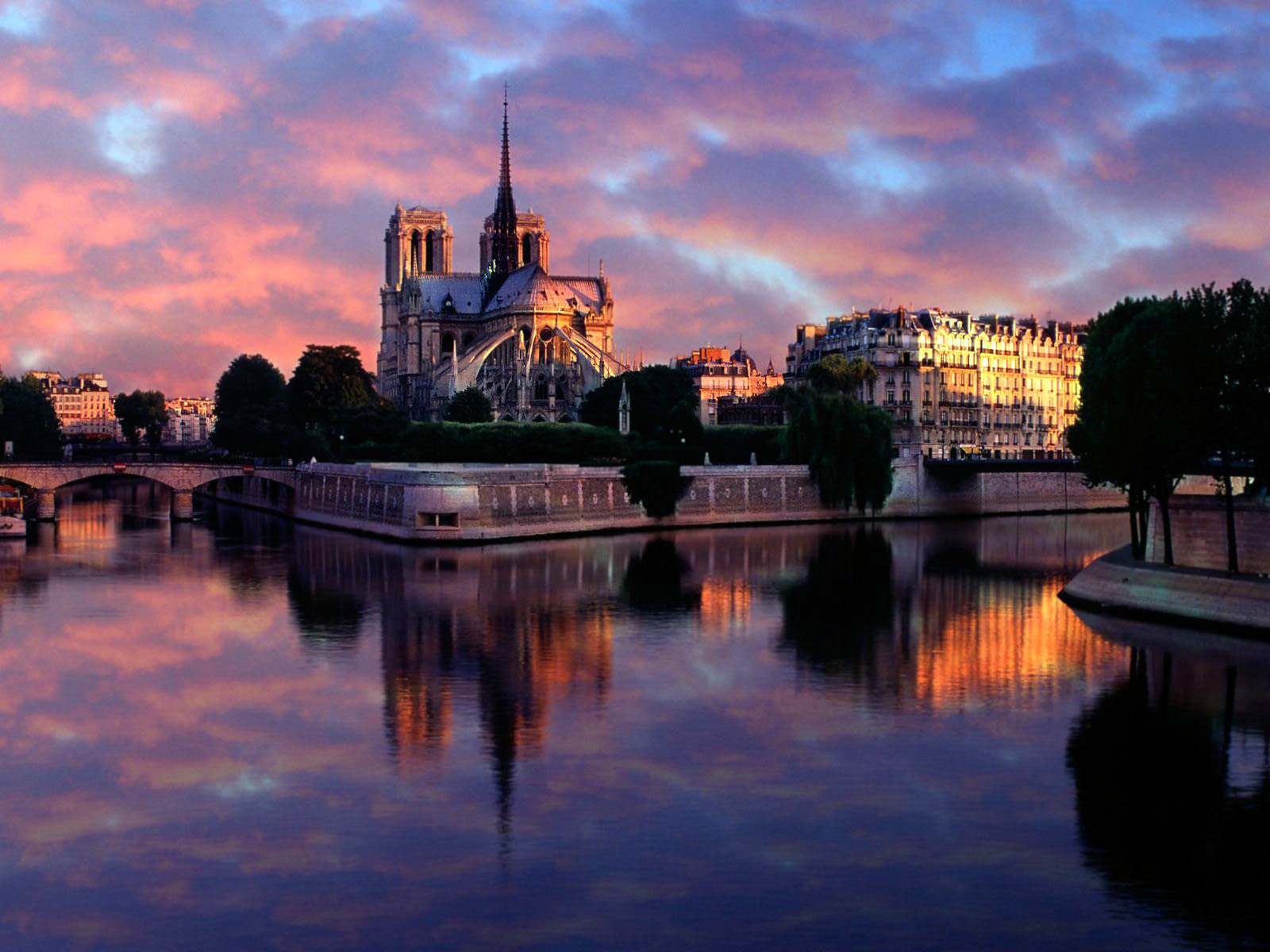 Notre Dame at Sunrise Paris France Wallpapers HD Wallpapers 1600x1200